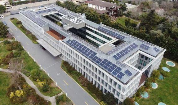 Doğan Holding Şirket Merkezi'nin Çatısına Çatı Tipi Güneş Enerjisi Santrali Kuruldu