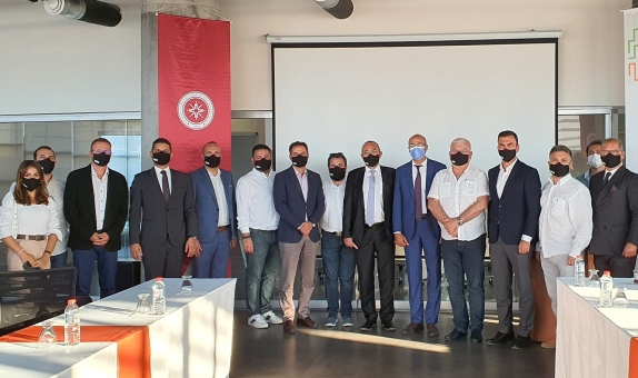 İzmir Yenilenebilir Enerjide Teknoloji Üssü Olacak