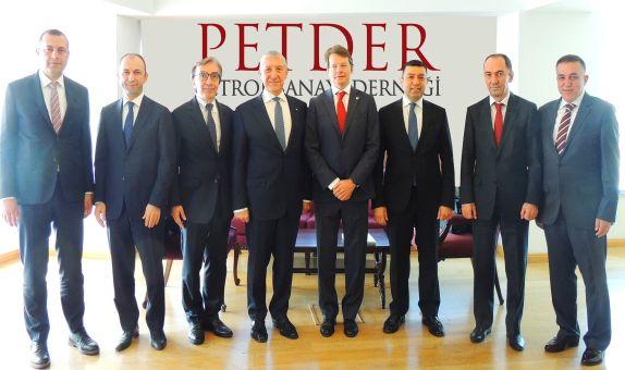 PETDER'in Yeni Yönetim Kurulu Belirlendi