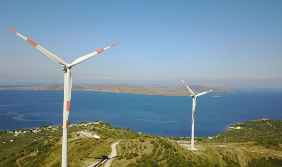 Rüzgar Yeşil Enerji için Esiyor