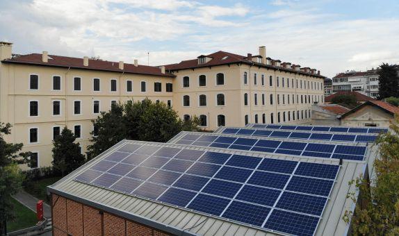 Saint-Joseph Lisesi, Güneş'ten Elektrik Üretiyor