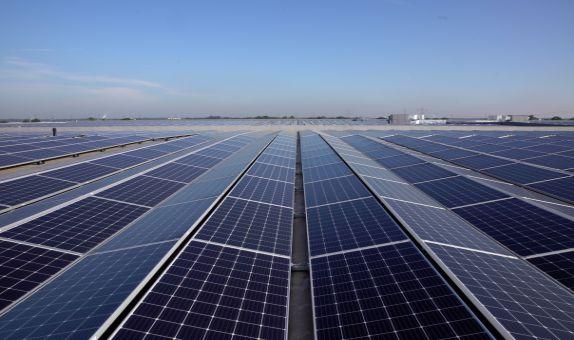 Tommy Hilfiger Güneş Enerjisi ile Tüm Enerji İhtiyacını Karşılıyor
