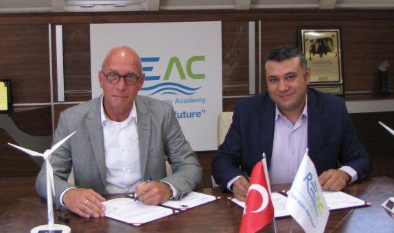 Yenilenebilir Enerji Akademisi İzmir'de Faaliyete Geçiyor
