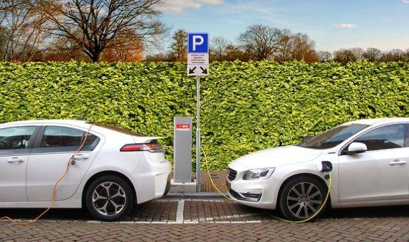 Elektrikli Araçların Fosil Yakıtlı Araçların Yerini Almasının Sürdürülebilir Kalkınma Hedeflerine Etkileri (1.Bölüm) class=